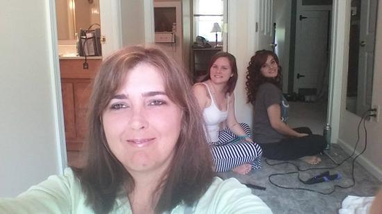 Ellwood City, بنسيلفانيا: Me & my girls getting ready