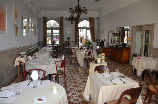 Hotel La Mere Germaine: Dining area