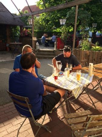 Wessling, Γερμανία: Cozy Beer Garden at the Il Plonner