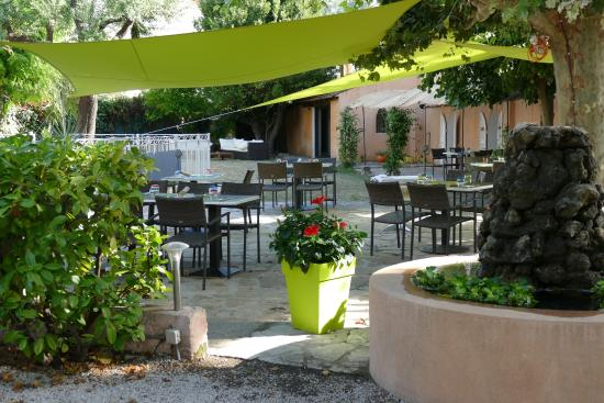 Jardin de l 39 h tel picture of la cauquiere le beausset Hotel les jardins de la villa tripadvisor