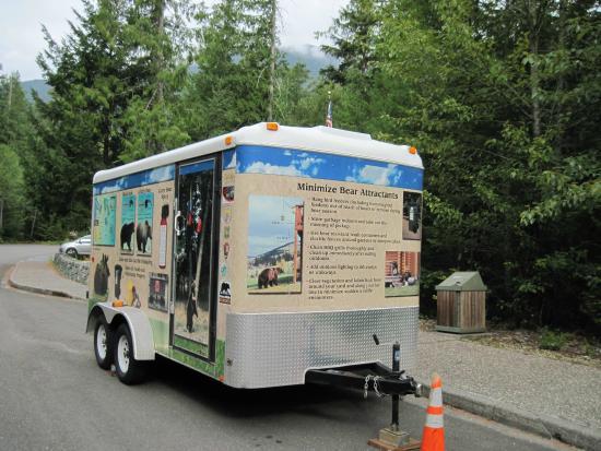 North Cascade Visitors Center: Bear info on trailer