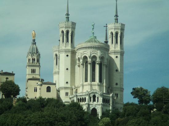 basilica of notre dame de fourviere bild von lyon city bus lyon tripadvisor. Black Bedroom Furniture Sets. Home Design Ideas