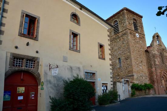 Vieille-Brioude, Francia: Facade du presbytere