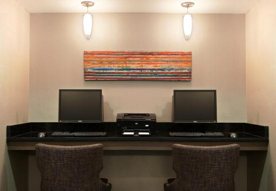 Residence Inn Pittsburgh Airport Coraopolis : Business Center