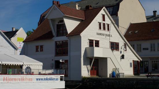 Floro, النرويج: Sett fra gjestebrygga