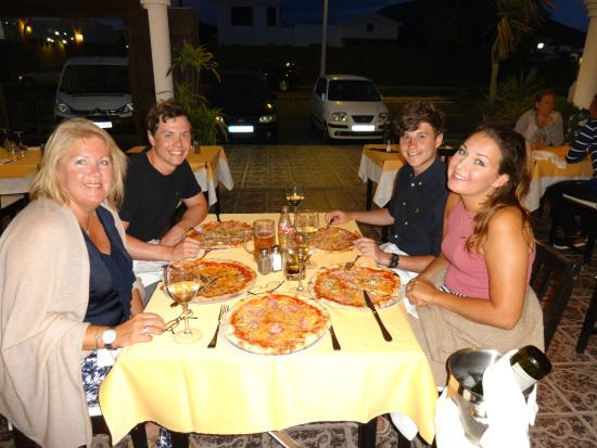 Dal Trevisano: Pizza all round