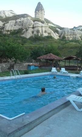 Rock Valley Hostel: piscina