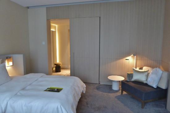 The Ritz Carlton, Wolfsburg: Schlafzimmer Und Ankleidezimmer