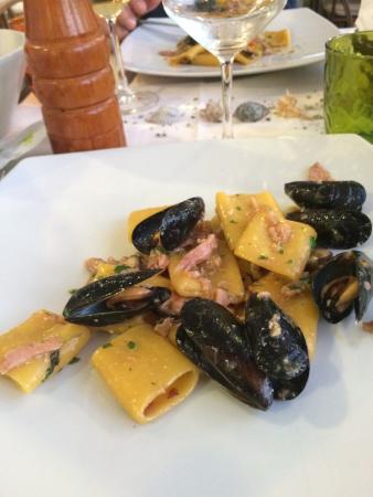 Molo20: Stuzzichino, pacchetti cozze e tonno, polpo alla piastra