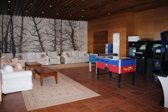 Green Life Ski & Spa Resort: Games area