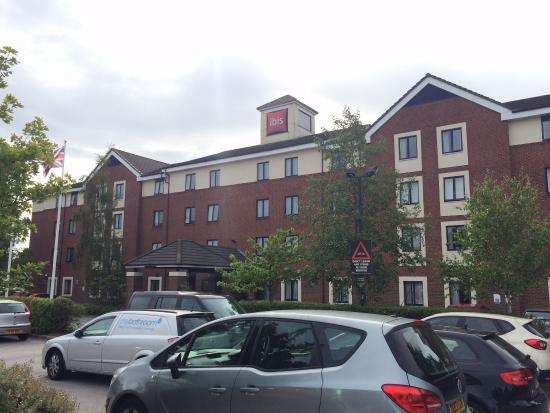 Barlborough, UK: Hotel Exterior