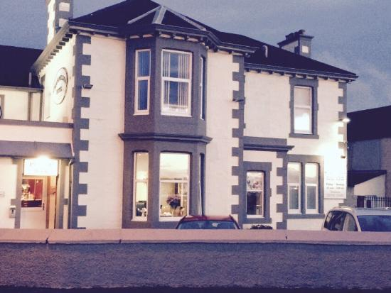 Craignelder Hotel: Newly painted and double bed and single bed rooms