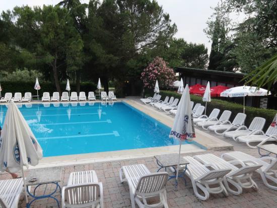 Hotel royal reviews price comparison garda lake garda italy tripadvisor for Hotels in lake garda with swimming pool