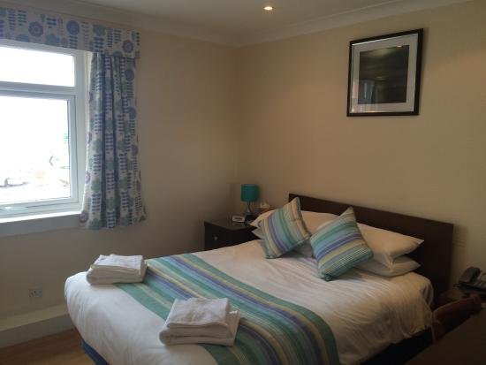 Craignelder Hotel : Newly painted and double bed and single bed rooms