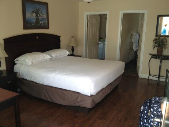 Blue Sands Motel: Bed