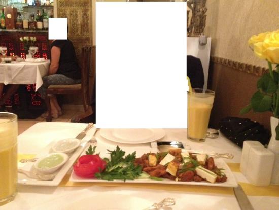 Kamasutra Indisches Restaurant: Baby Corn Hot Garlic with Paneer Tikka