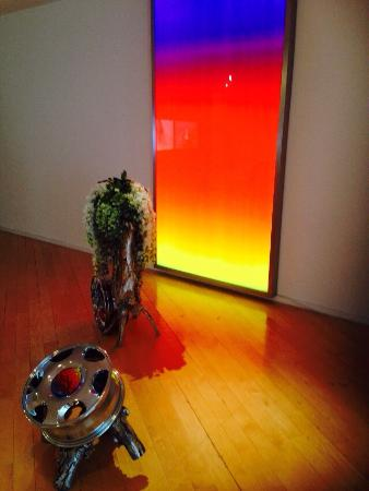 DaimlerChrysler Contemporary (Haus Huth): Guan Xiao