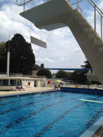 Saint mars la jaille 44 piscine alexandre braud for Piscine st philbert de grand lieu horaire