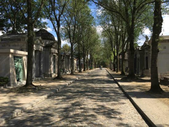 Pere lachaise picture of pere lachaise cemetery - Cimetiere pere la chaise ...