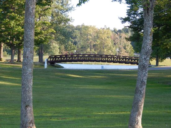 Darien Center, NY: Bridge to swimming area/ beach