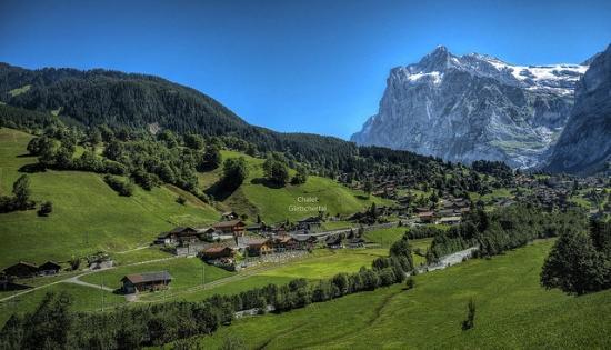 Chalet Gletschertal set in the beautiful Grindelwald Valley