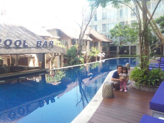 Kolam Renangnya Bagus Picture Of Grand Mega Resort Spa Kuta