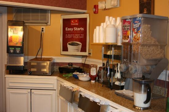 Econo Lodge Montpelier: Breakfast Nook