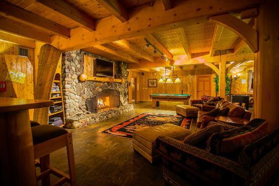 Kispiox, Canada: Rec Room