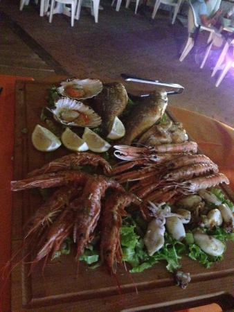 Da Milena: Una delle mangiate di pesce piú gustose in assoluto....per l'attesa ci hanno portato le cozze fa