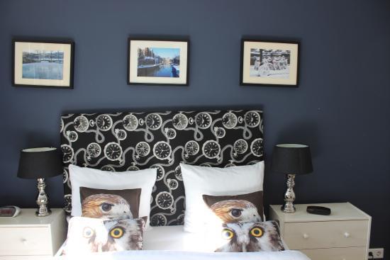 Velvet Amsterdam Bed and Breakfast: Bed