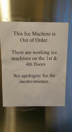 "Hampton Inn Long Island - Brookhaven: Ice machine? Not on my floor. ""We apologize for the inconvenience."""
