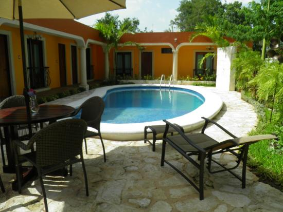 El Zaguan Colonial Hotel & Restaurant