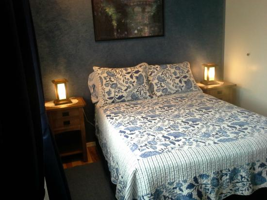 Arbour Cottage B & B : Blue Room