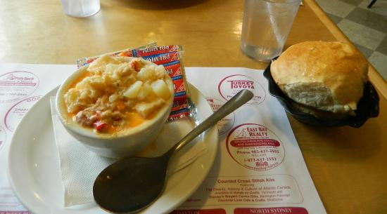 Dennis Point Cafe and Restaurant : Seafood chowder with a delicious homemade roll and plenty of butter.