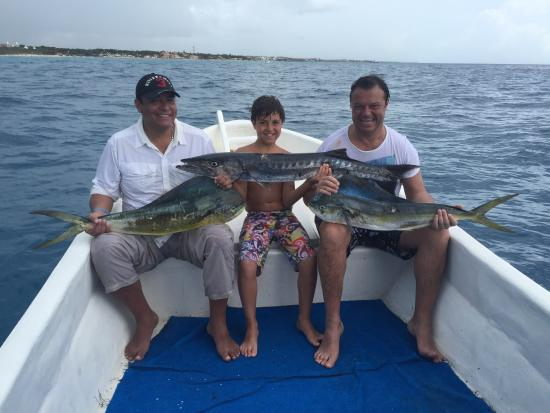 Todays fishing report picture of fishing playa del for Playa del carmen fishing charters