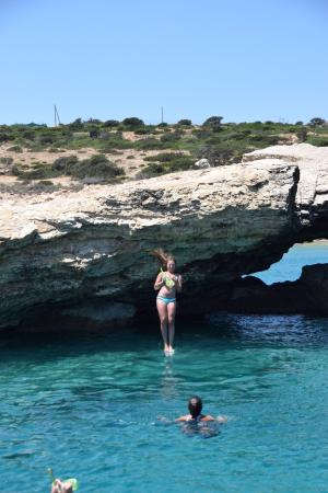 Naxos Town, Greece: Cliff jumping