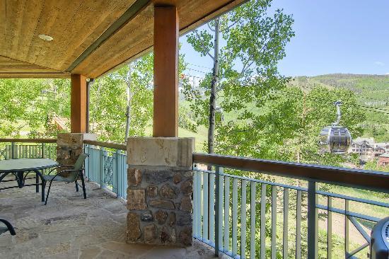 McCoy Peak Lodge by Beaver Creek Mountain Lodging : Patio