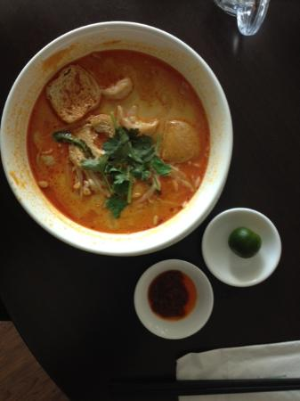 Likas Square Apartment Hotel : Laksa