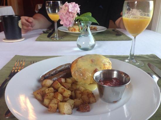 Allegan, MI: Breakfast one morning