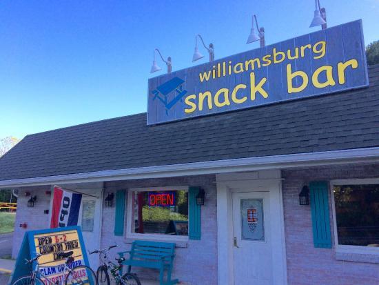 Williamsburg, Μασαχουσέτη: Front Door