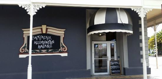 Biddy Kate's Backpackers: Street view