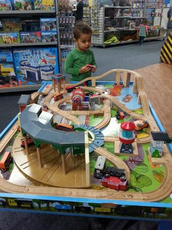 Charmant Choo Choo Bobu0027s Train Store: 2yo At Toddler Train Table U003d 1 Hr Of Peace