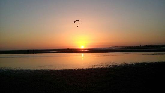 Anochecer En La Playa El Palmar