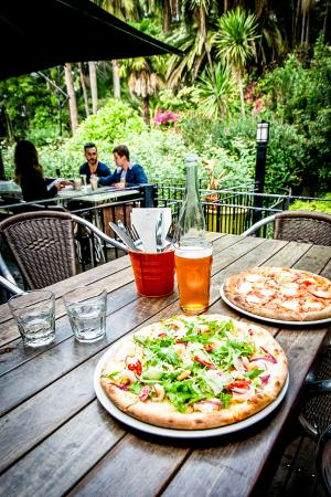 Leapfrogs: Pizza and Pint