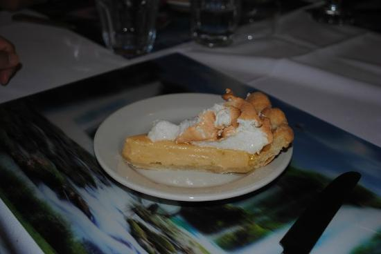 Black Orchid Restaurant: Black Orchid Resort dessert, lemon pie