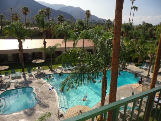 WorldMark Palm Springs: Pool view from room