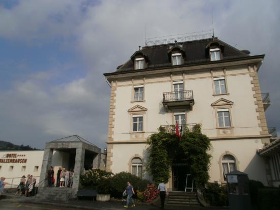 Swiss Dreams Hotel Walzenhausen: Парадный вход
