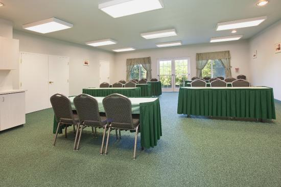 La Quinta Inn & Suites Newport: Meeting Room