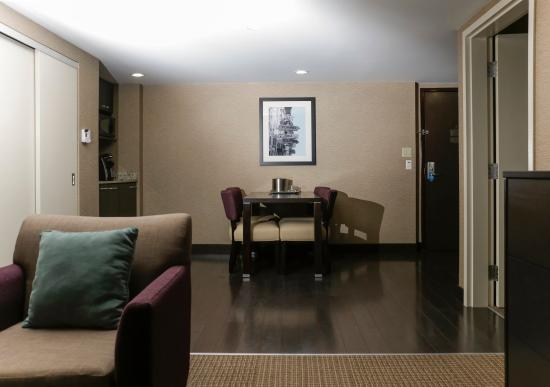 Quattro Hotel & Conf. Centre, an Ascend Hotel Collection Member: SNKTT