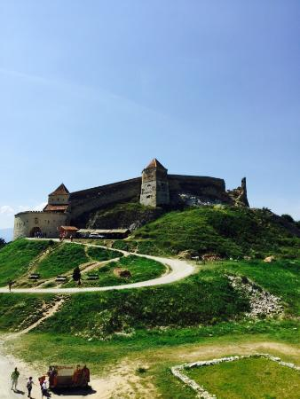 Rasnov Citadel: 宏偉城堡:像要堅守保護羅馬尼亞人的歷史